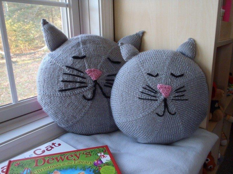 Kittie Pillow