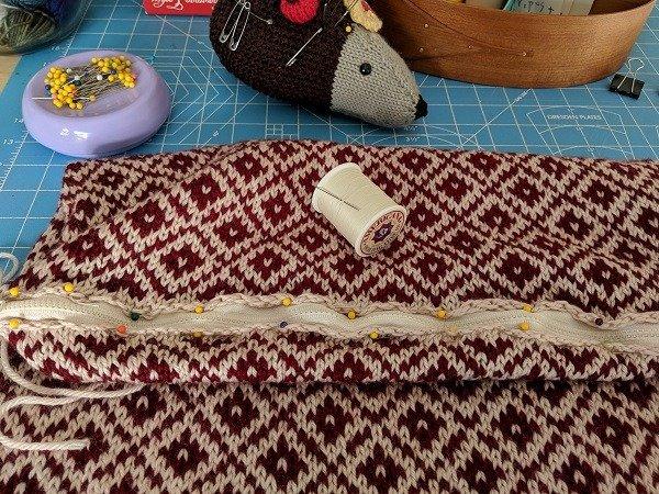 Winter Pillow zipper details